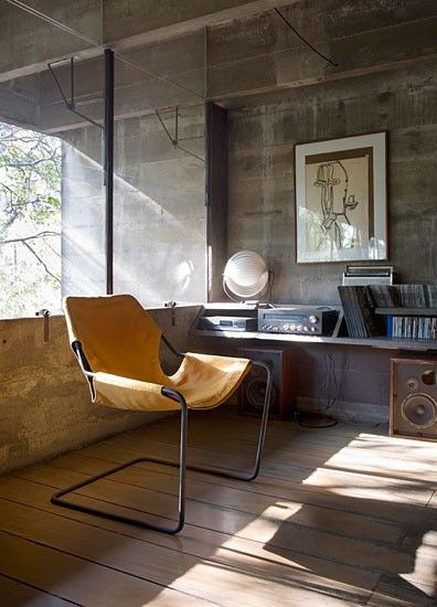 Cadeira Paulistano, design 1957 - do arquiteto brasileiro, Paulo Mendes da Rocha.
