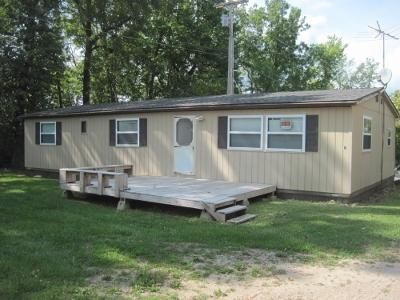 1981 3 Bed 2 Bath Manufactured Home For Sale Sits On A Rented Lot In Fugate Mobile Park At The South End Of Nemo Bridge
