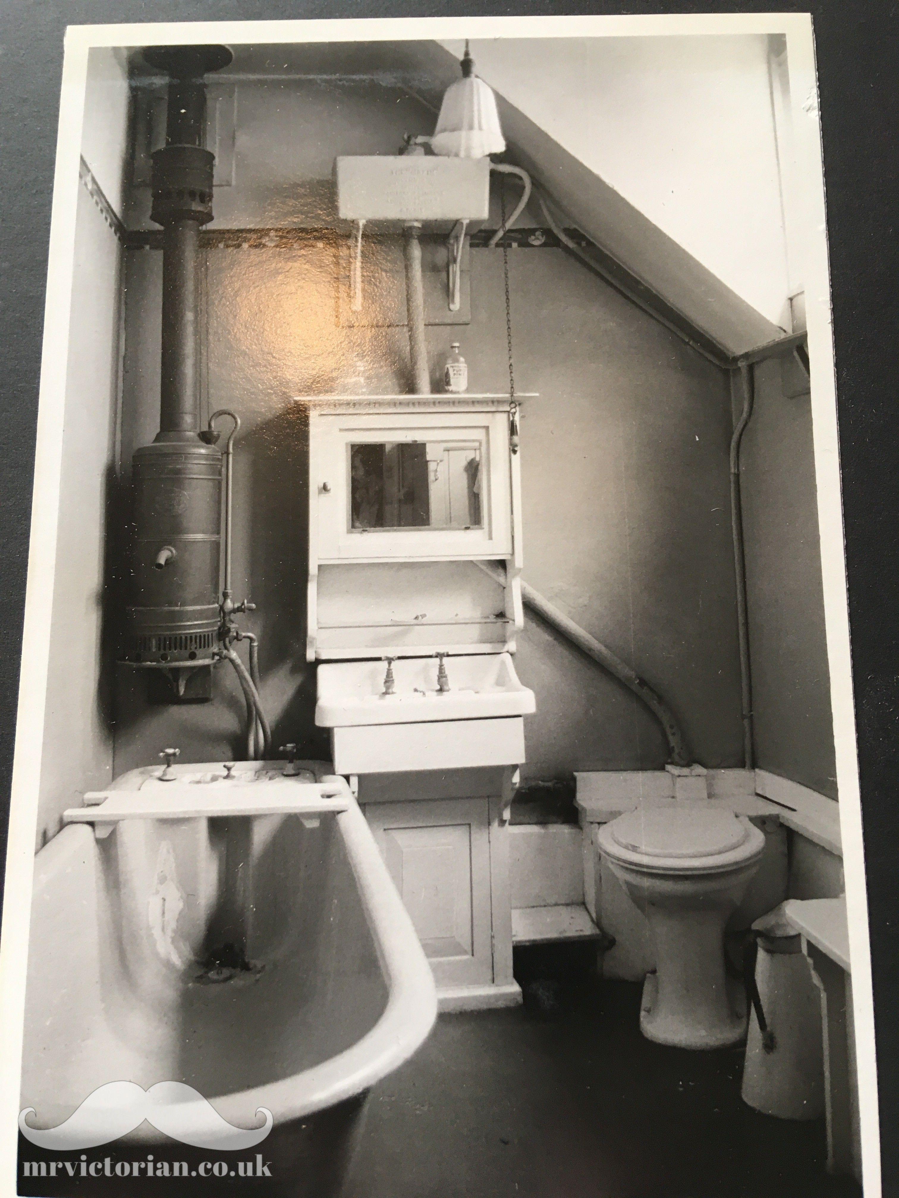 Original Edwardian Bathroom At Little Holland House Carshalton London With Antique Sink High Cister Victorian Bathroom Edwardian Bathroom Vintage Bathrooms