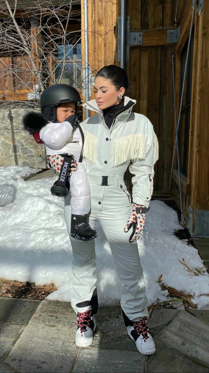 """Pin by Namrata on The """"it"""" life Kylie jenner body, Kylie"""