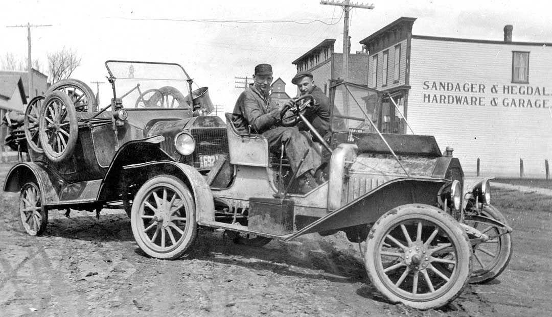 Model T Ford Forum Old Photo Brass Era Hauling Lizzie