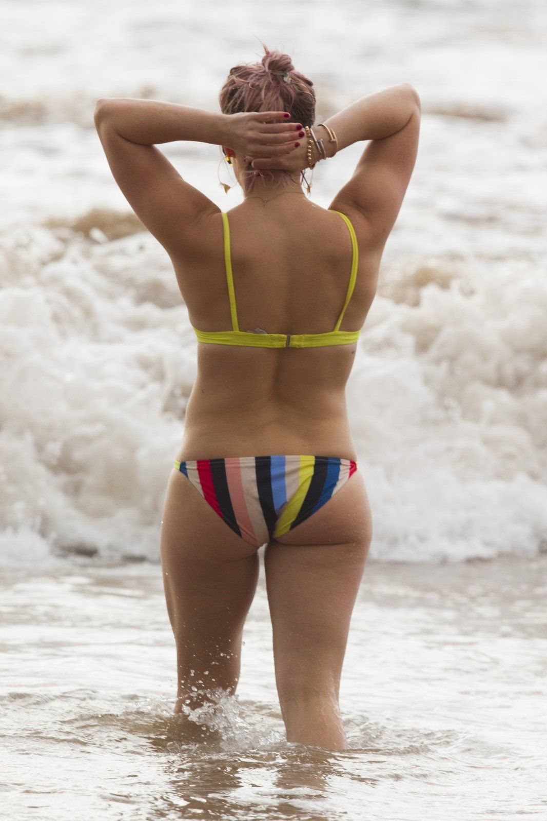 Hilary duff ass in swimsuit in hawaii nudes (71 images)