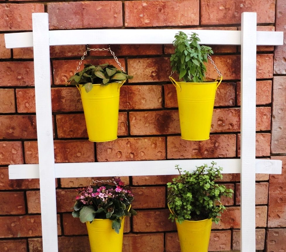 Flower Garden For Dummies: Simple Plant Stand DIY