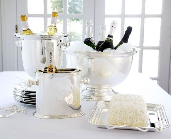 Silver White Table Decor for New Year\'s | New Year\'s Eve and Formal ...