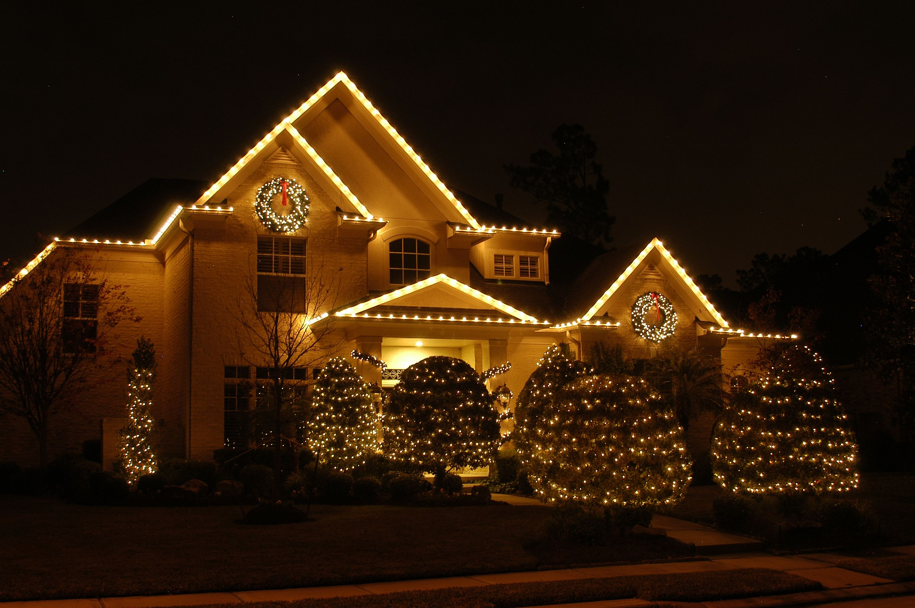 c9 christmas lights the results are classic and the cost of running them is minimal description from wilmingtonoutdoorlightscom
