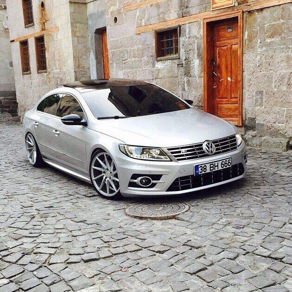 Best Dubai Luxury And Sports Cars In Dubai: Volkswagen CC