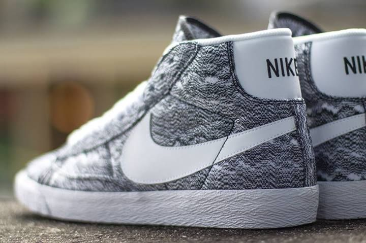 new product 4b3e9 4b2fe Nike Blazer Mid Premium Vintage Textile Quickstrike