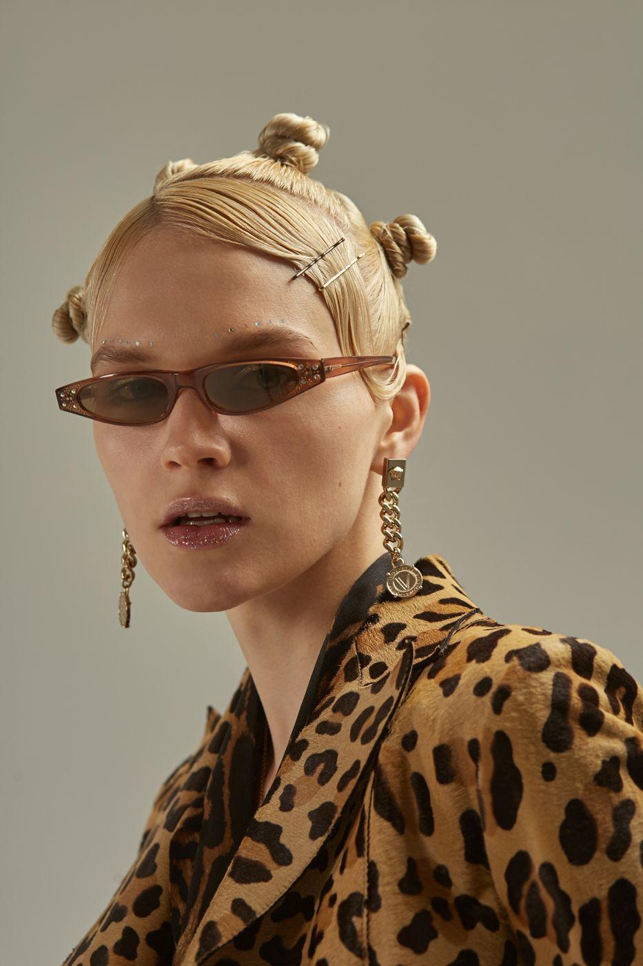 Стиль 2000-х: тренды из эпохи абсолютного гламура   Волосы ...