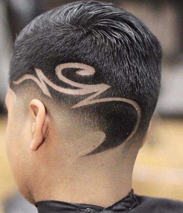 coiffure homme trait zigzag