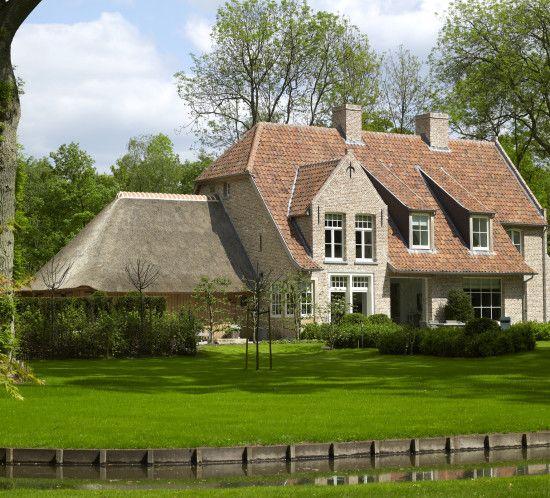 Landelijk bouwen of verbouwen villabouw sels realisaties for Landelijk bouwen architect