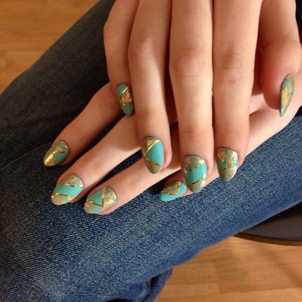 #Nails for @Belinda Iturralde Magazine #nailart #bts #gold...