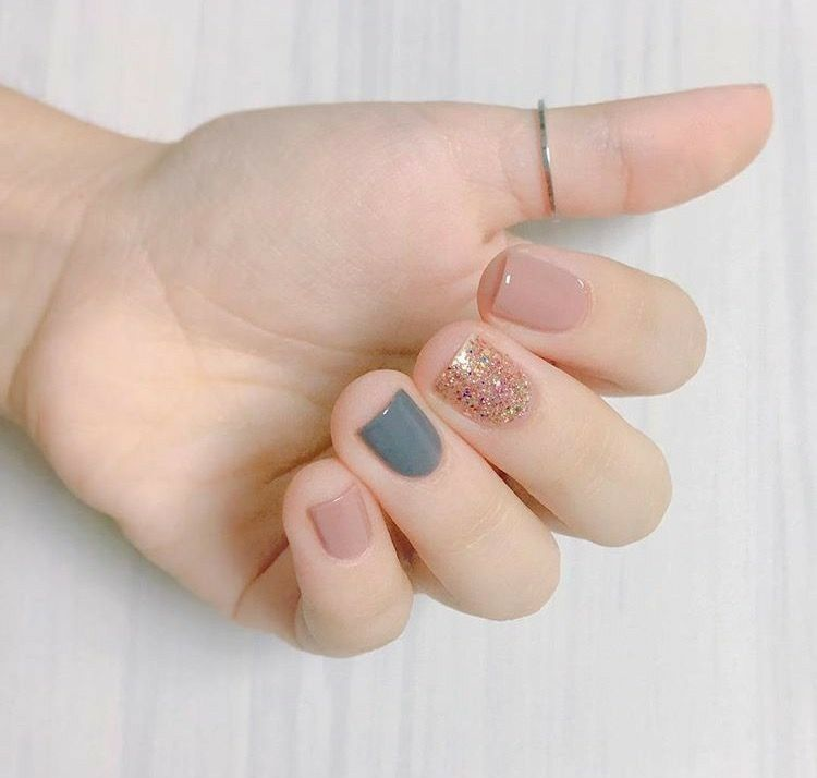 Pink, gray and sparkly | Makeup, nails & skin care! | Pinterest ...