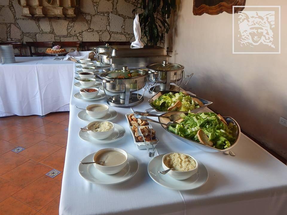 El domingo es de buffet en #VillaMontañaRestaurant disfruta tranquilamente de buena comida. http://ow.ly/V7ArV