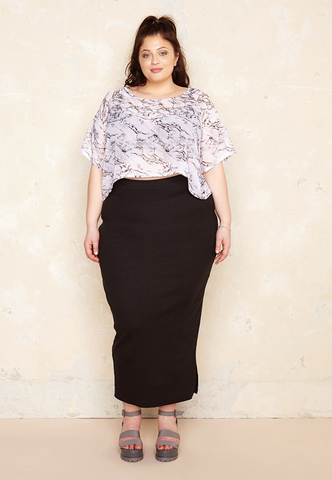 """Skirt:  Maxi Length Side Split Ribbed Fabric Figure Hugging 60%Polyester, 30%Cotton, 10%Elastane  Our model wears size 20 and is 5'8""""/177cm."""