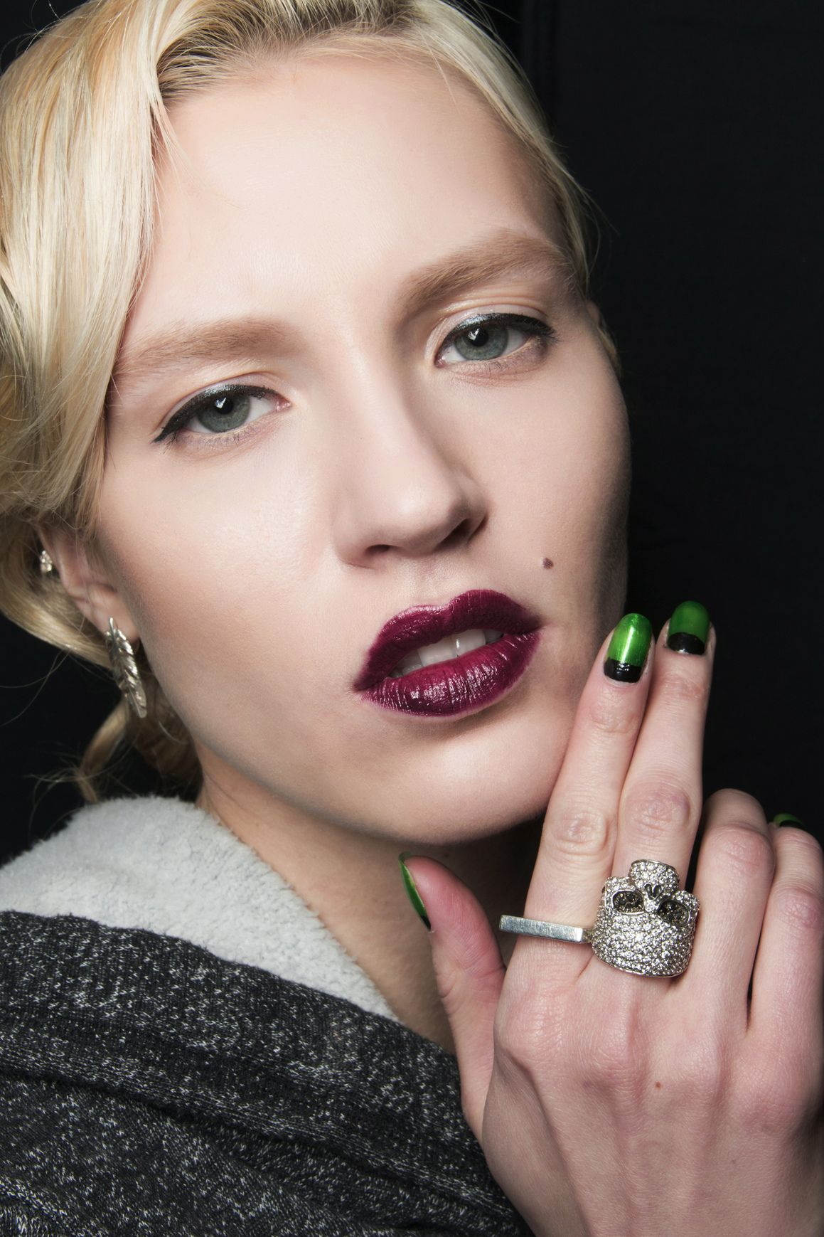 Manicure: trendy jesień-zima 2014/2015, Zang Toi, fot. Imaxtree
