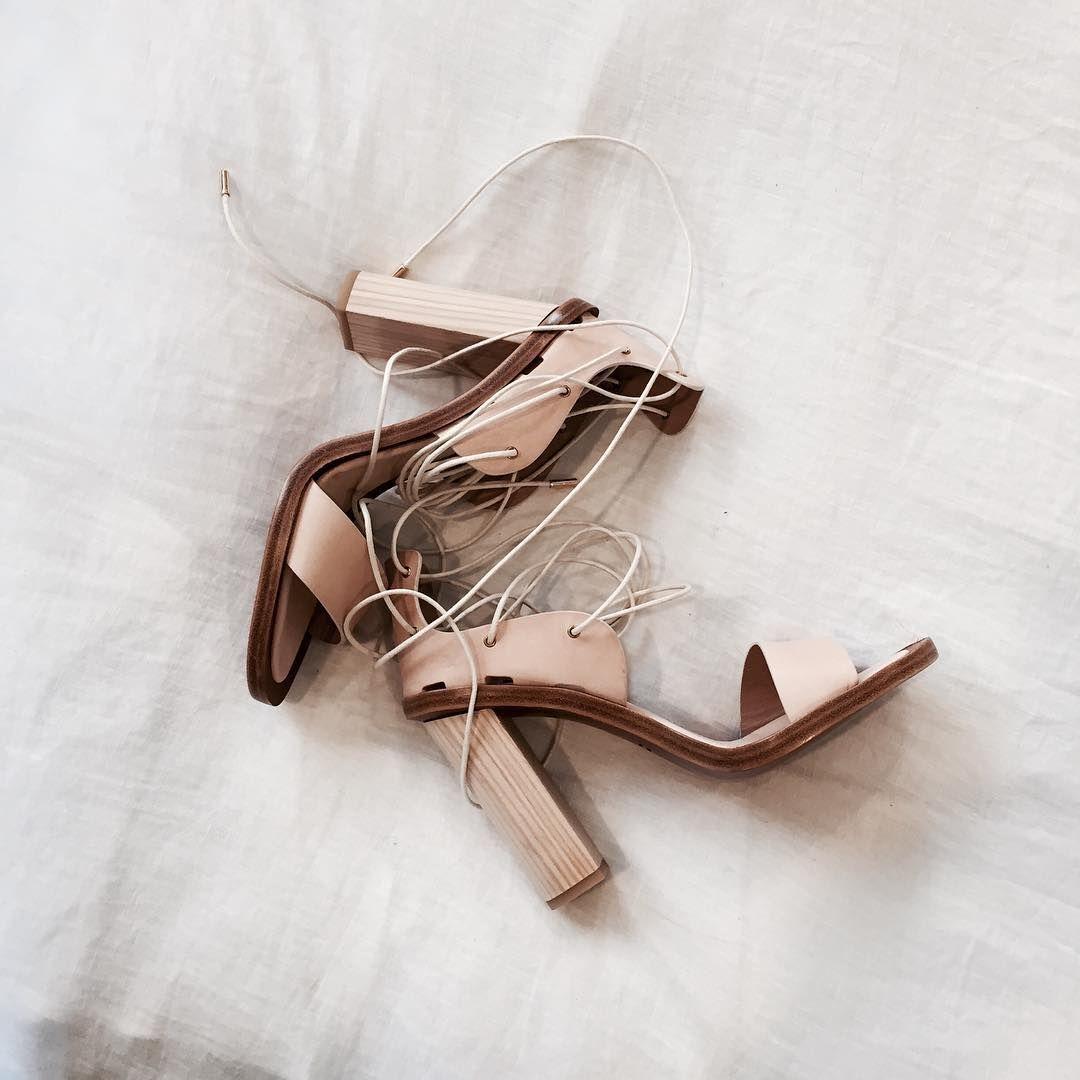 Scanlan Theodore   Cream shoes, Heels