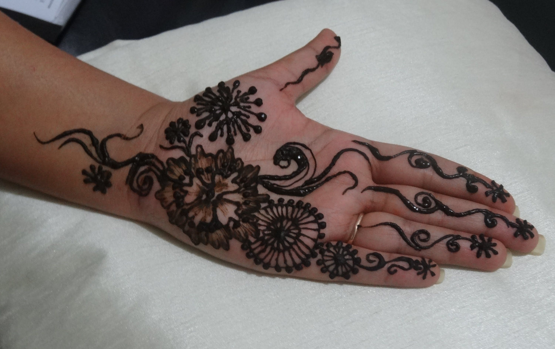 Mehndi Henna Pen : How to draw unique henna mehendi design youtube