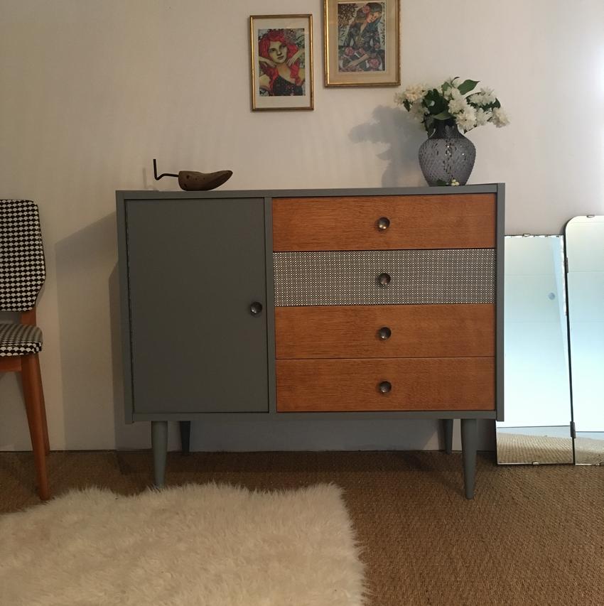 Commodes Vintage Relooking De Meubles Lilibroc En 2020 Mobilier De Salon Meuble Vintage Commode Vintage