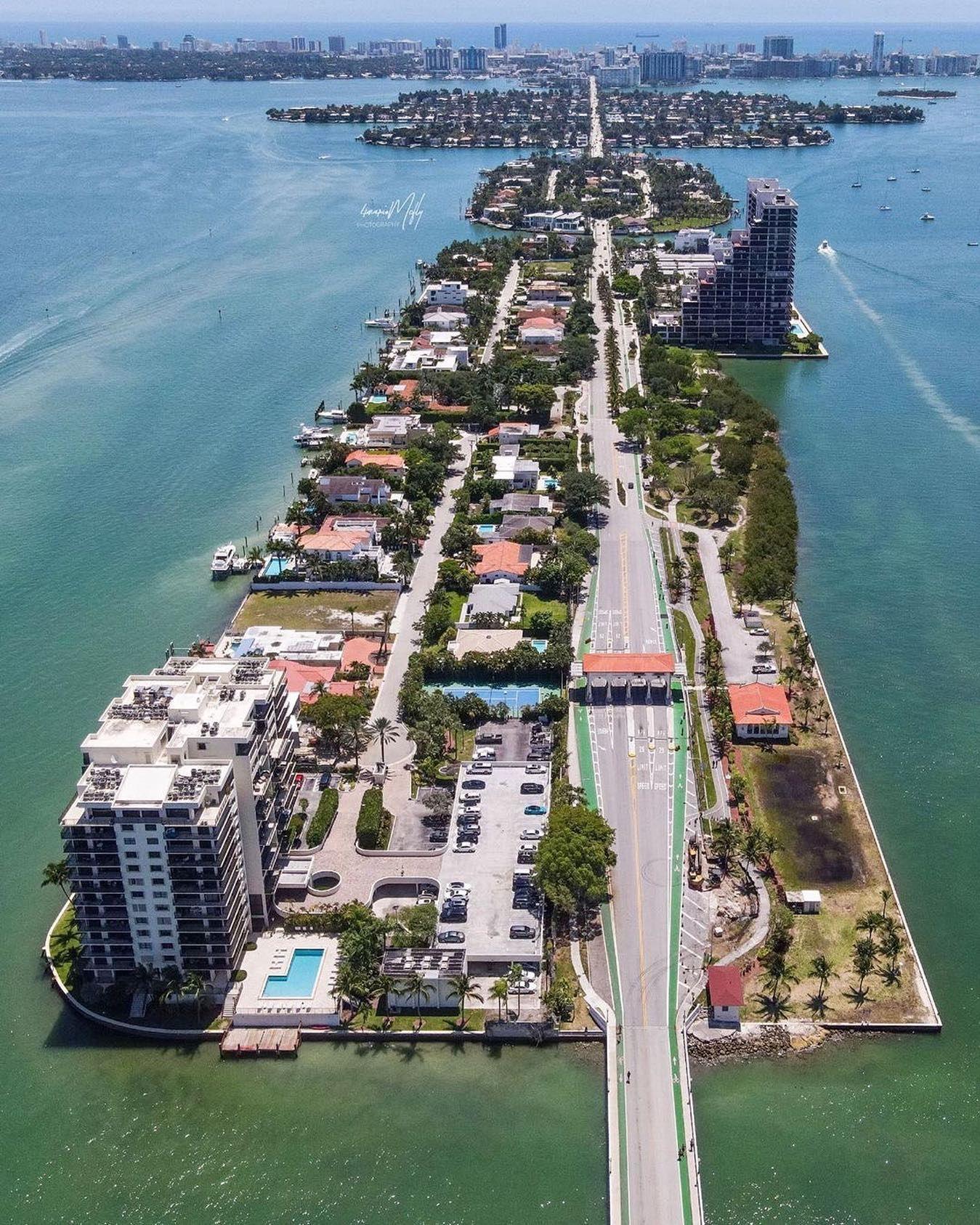 Crossing Biscayne Bay on the Venetian Causeway from Downtown to Miami Beach    @4martymcfly  #biscaynebay #miamiviews #southbeachmiami #miamiguide #miamilife #miamirealtor #miamiart #miamistyle #miamidolphins #Miamiliving #miamibeachlife #miamibeachliving #miamibeachparty #miamibeachrealtor #miamibeaches #miamibeachcondos #miamiskyline #miamivibes #miamibeach #miami