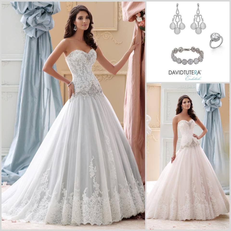 I love this flattering sweetheart neckline on ocean style for Drop waist wedding dress body type