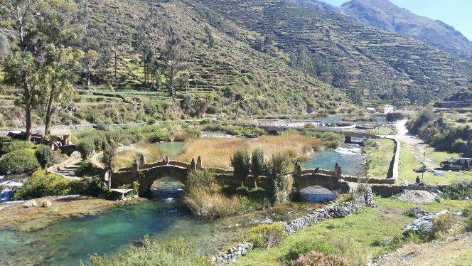 Puente estilo colonial Huancaya