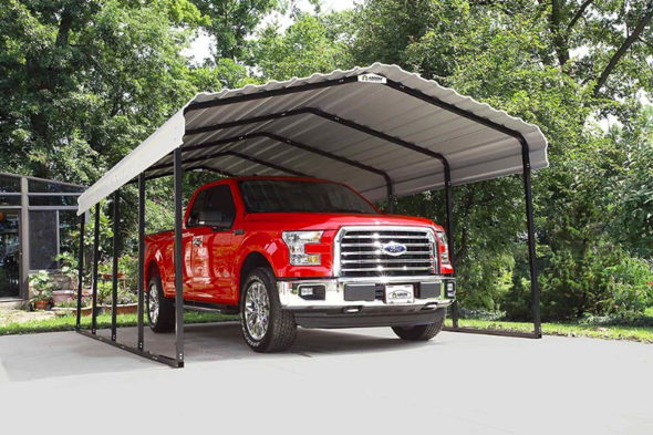 Carport for maximum protection against the elements in