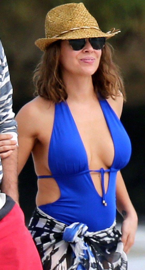 Alyssa Milano Bikini Pictures