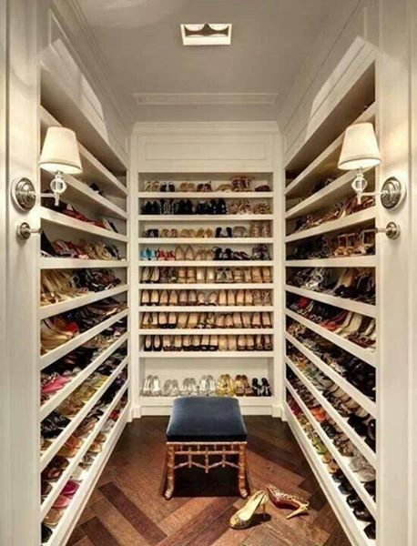 The Huge #shoes #closet. Thatu0027s Insane U003c3 Only For #shopping Addicted :)