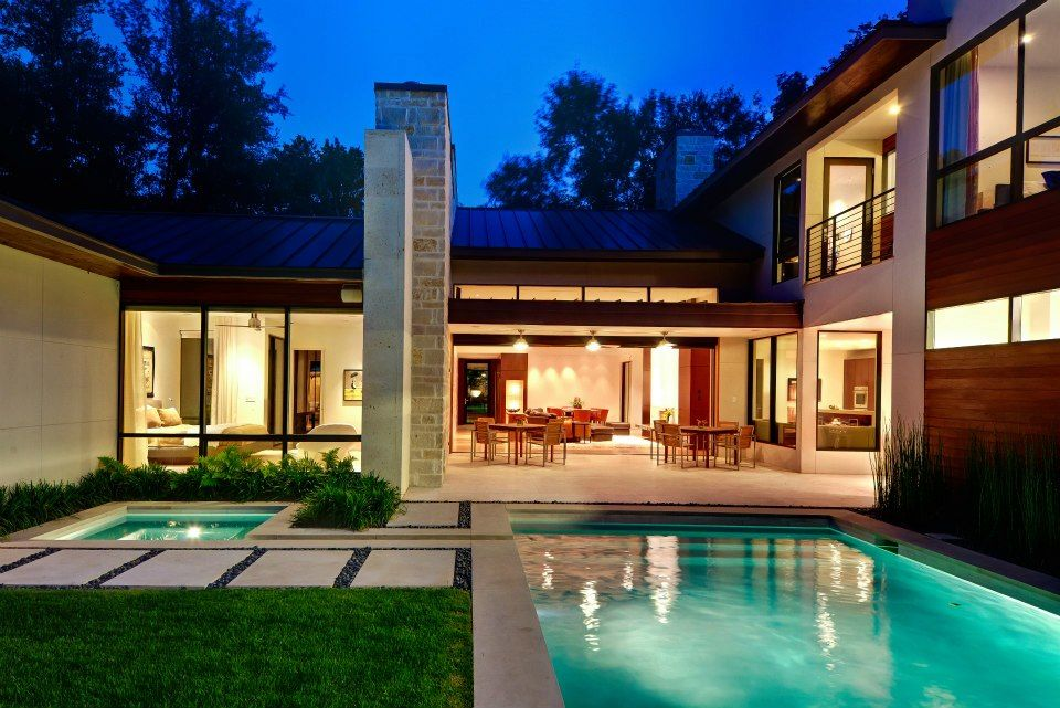 Contemporary house plans with courtyards courtyard for Pool design hamilton