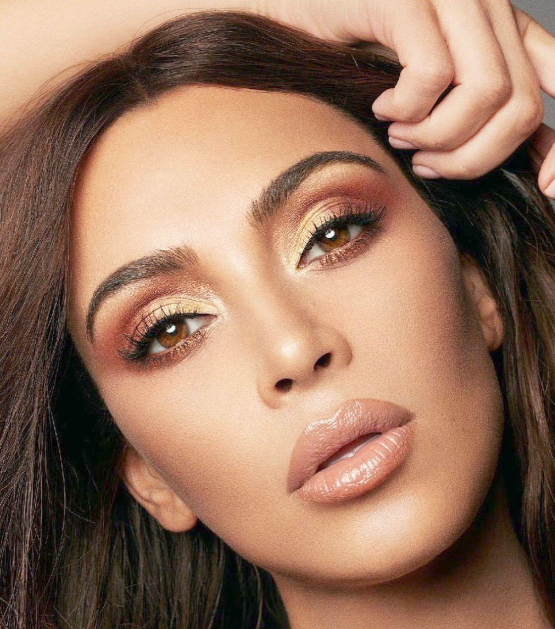 Alexandria Kayy Female Model Profile - Vancouver, British