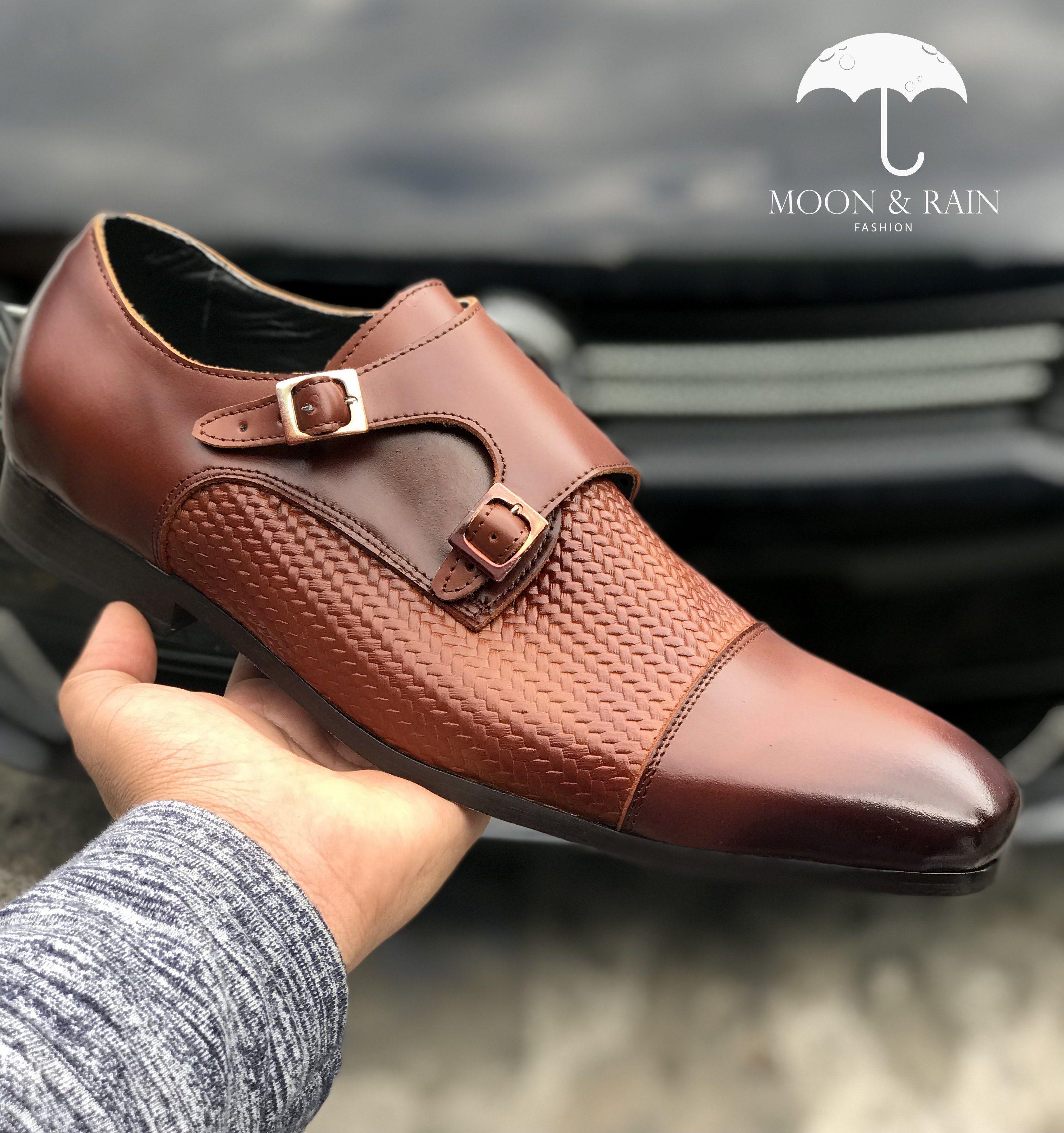 e976a4379 Calzado Monkstrap Café de broches para hombre en piel genuina y suela de  cuero