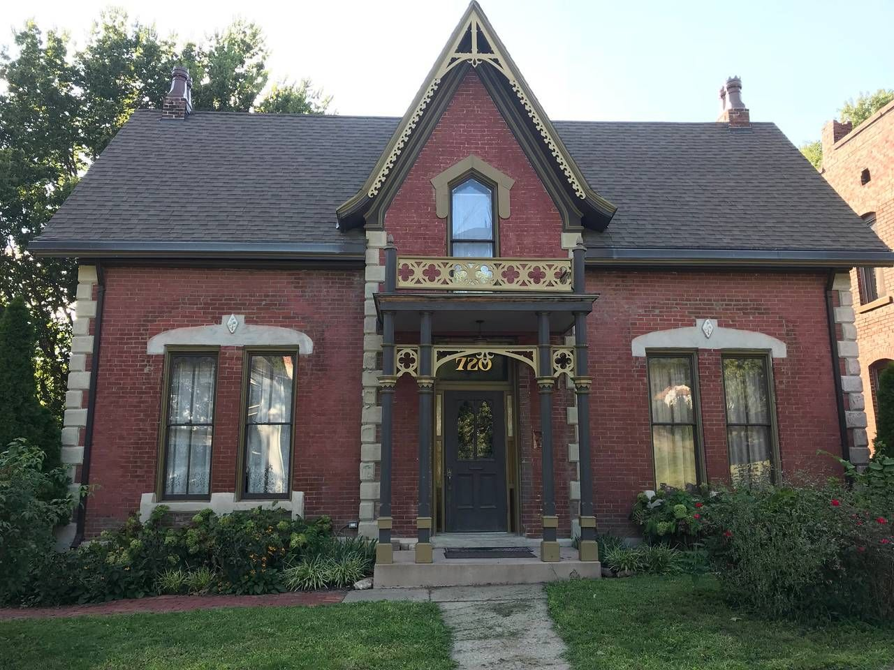 Beautiful Victorian Home Bed and breakfasts for Rent in