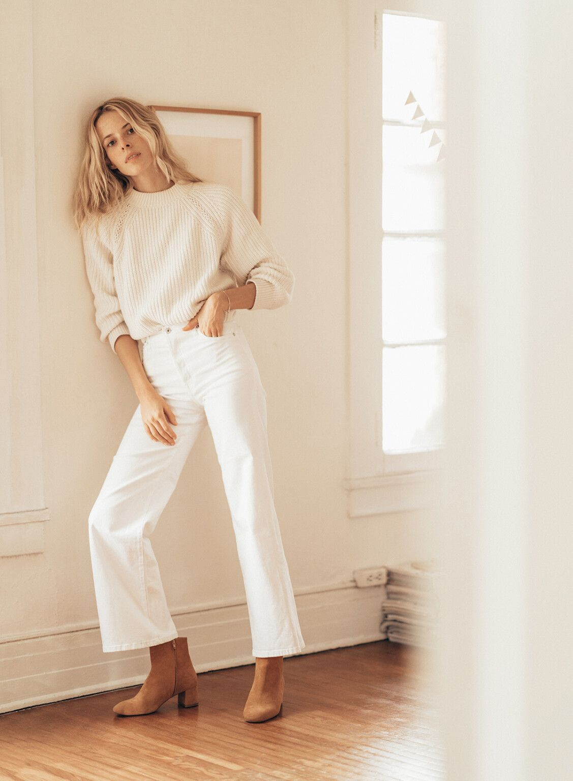 Photo of How To Style An All White Outfit + 18 Gorgeous Examples |