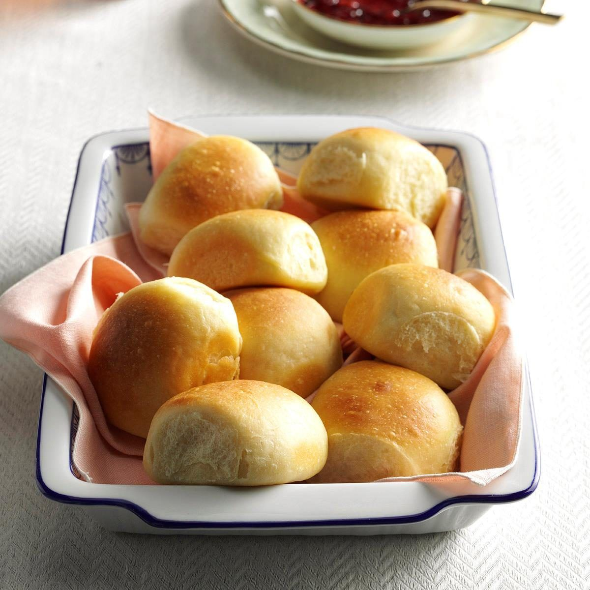 Soft Buttermilk Dinner Rolls Recipe In 2020 Dinner Rolls Recipes Dinner Rolls Recipe