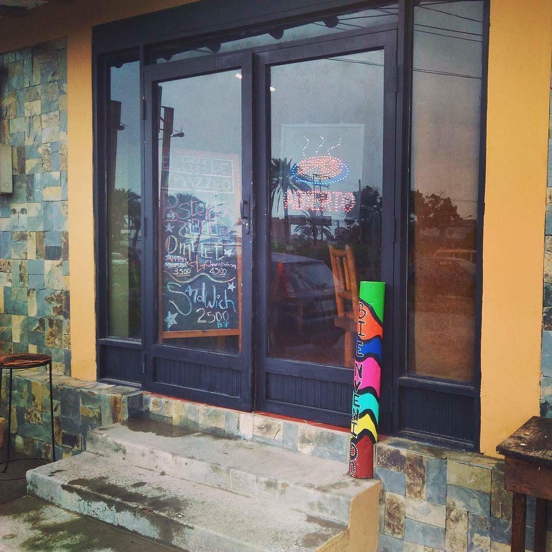 @Regrann from @ellugarcitodemazzeo -  Hoy los esperamos en nuestro nuevo espacio... Con desayunos  almuerzos.... Pasteles Sandwich  batidos omelet  pizzas  pastas  diferentes tipos de salsas  pizzaburguer  calzone Mojitos  y más.... VEN TE ESTAMOS ESPERANDO en SABANAMAR FRENTE A TRÁNSITO.... JUSTO AL LADO DEL GIMNASIO VIDA EN FORMA....