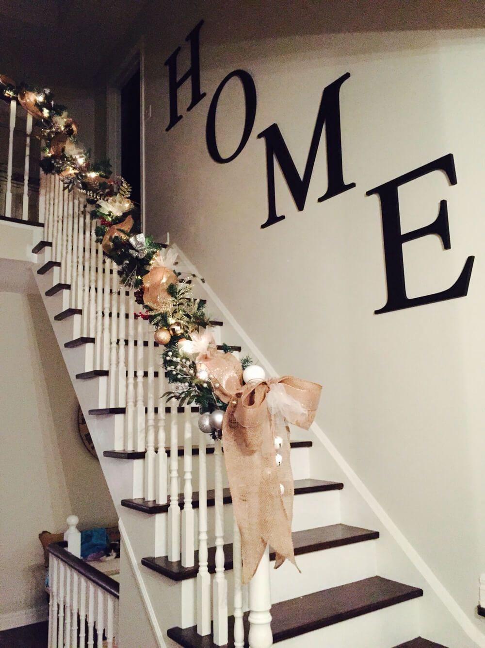 7 Stylish Stairway Decorating Ideas for Displaying Everything