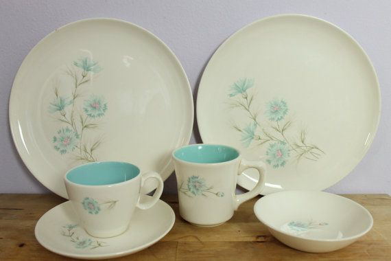 Vintage 1950\u0027s Taylor Smith and Taylor Boutonniere Ever Yours Aqua Blue Flower Dinnerware Set 18 pc & Vintage 1950\u0027s Taylor Smith and Taylor Boutonniere Ever Yours Aqua ...