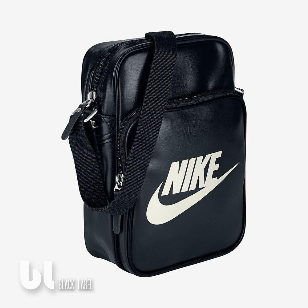 d2a26387b1062 Nike Heritage Si Small Items II Tasche Schultertasche Umhängetasche Schwarz  Uni in Kleidung   Accessoires