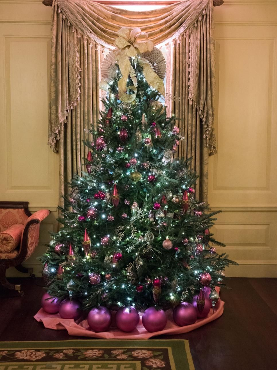 White House Christmas Tour 2016 Part I White House Christmas Holiday Decor Christmas White House Christmas Tree