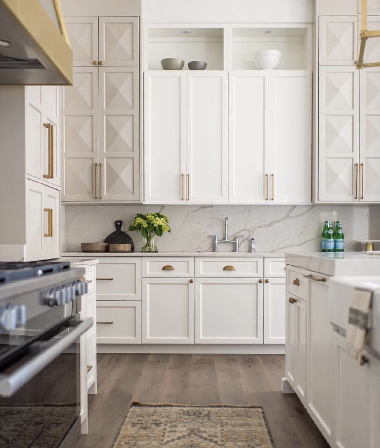 opening above cabinets | 17 a charleston kitchen | Pinterest | White ...