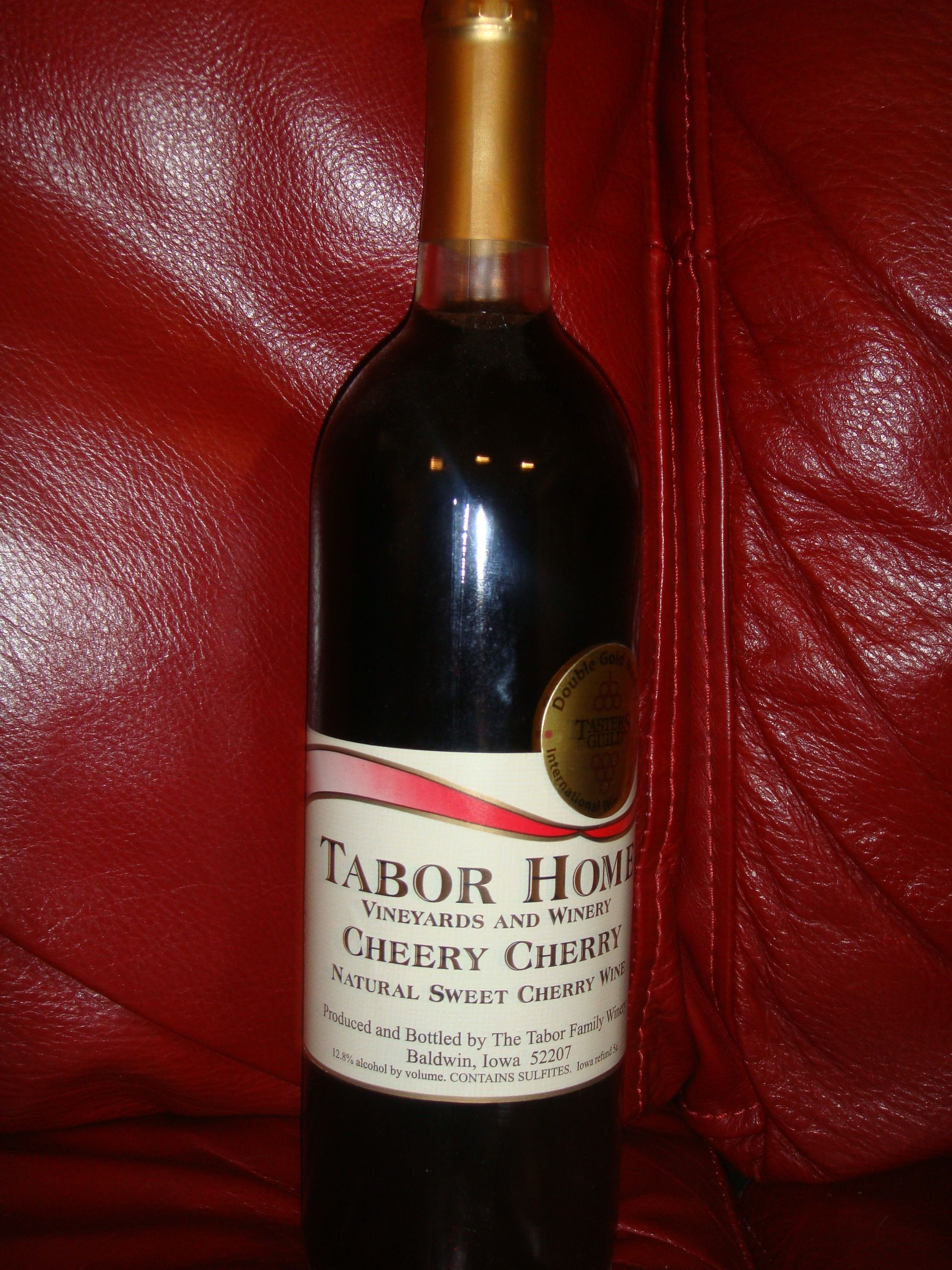 Cheery Cherry Natural Sweet Cherry Wine By Tabor Home Vineyards And Winery Cherry Wine Wine Distillery