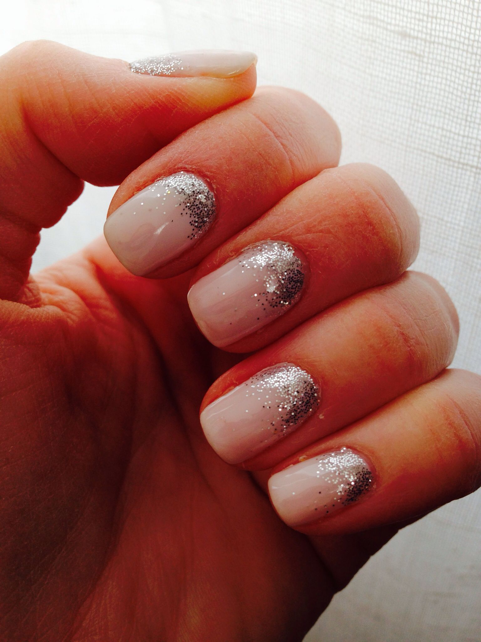 Nude glitter nails!