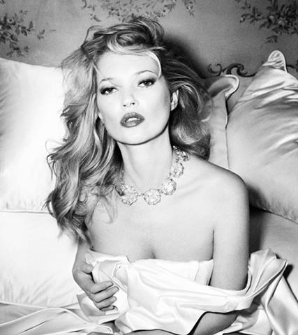 Glamourous Kate Moss #pintowin #napoleonperdis #cinderella