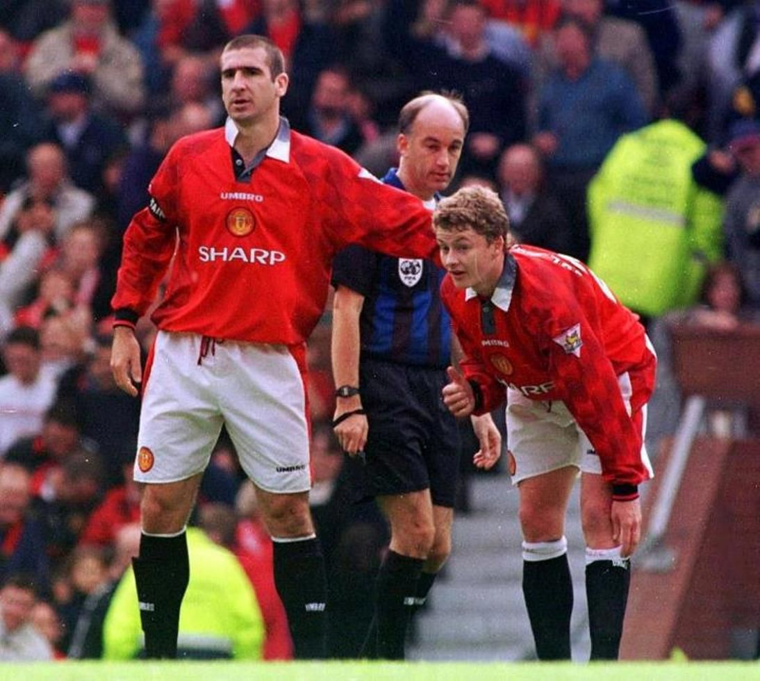 Manchester united legend eric cantona insisted he was not surprised after being inducted into the premier league hall of fame, with his. Diana The Red (@D98Red) | Manchester united legends ...