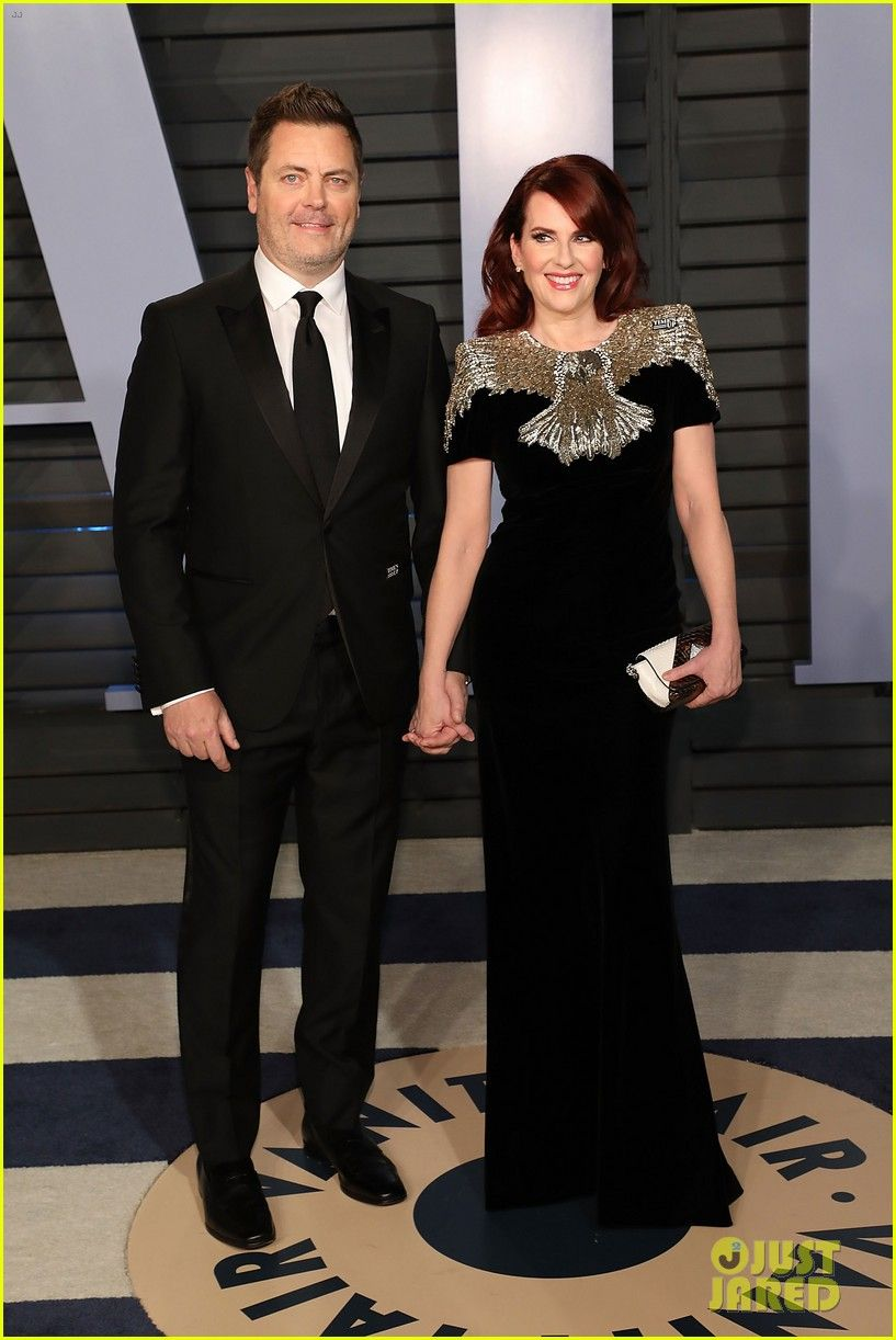 838dd1f06c9 Zooey Deschanel   Megan Mullally Bring Their Hubbys To Vanity Fair s Oscars  2018 Party!