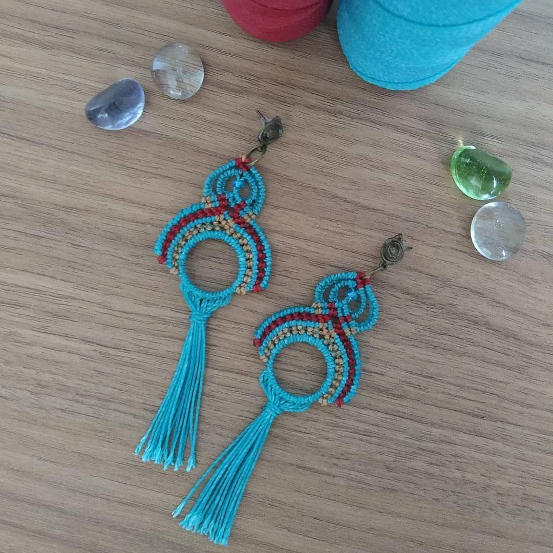 "Khepra Macrame on Instagram: ""Amor pelo azul 💙💫🌀 . . #macrame #macramejewelry #makrame #micromacrame #handmade #handmadejewelry #art #artesanato . *Disponível"""