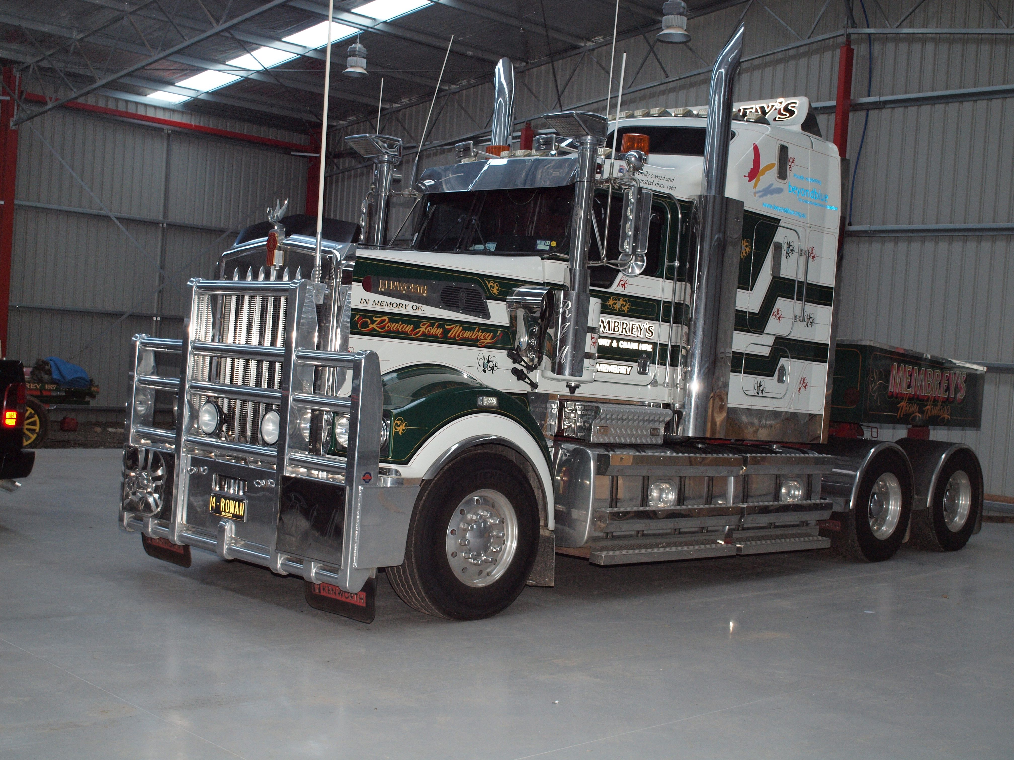 Kenworth T904 owned by Membrey's Transport and Crane Hire