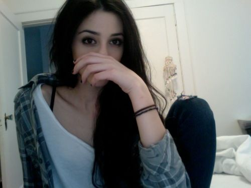 black hair tumblr ptography - Google Search | Pale skin ...