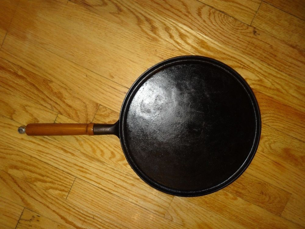 Country House By Krischer 12 Inch Round Griddle Cast Iron Cast Iron Cast Iron Cookware Vintage Kitchen