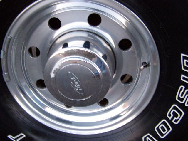 16x7 Inch Alcoa Aluminum Wheels 1995 1997 F250 F350 Factory Aluminum Rear Rim And Hub Cap F250 Trucks For Sale Trucks
